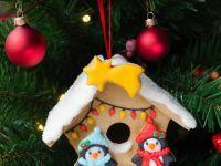 Christmas themed gingerbread Birdhouse