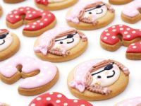 Girly pirate cookies