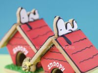Gingerbread Snoopy Dog House